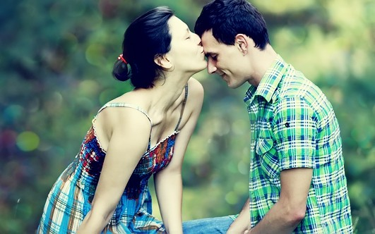 Накрыл ее рот поцелуем