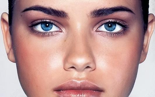 Голубые глазки своими руками