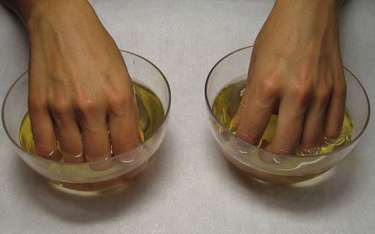 Почему могут быть синими ногти