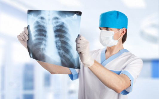 Болит ребро под молочной железой при нажатии
