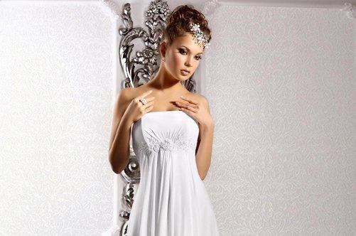 Красивое платье силуэтное
