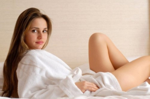 Девушке больно при вводе члена при первом сексе