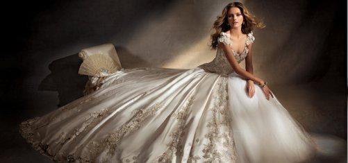 Как выбрать фасон свадебного платья с камнями Сваровски