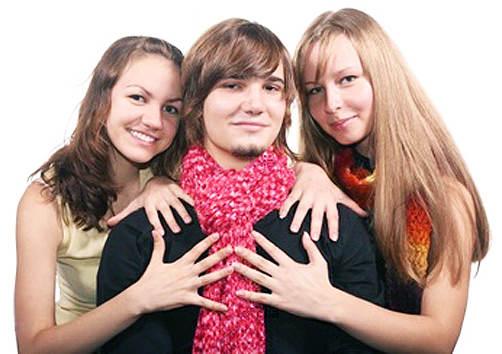 Сёстра делят парня на двоих фото фото 804-856